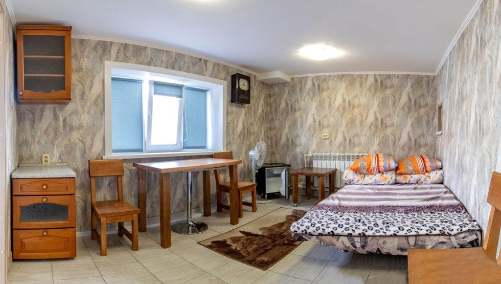 """VIP номер в Гостевом дворе """"Паровоз"""" - в первом хостеле в Бийске"""